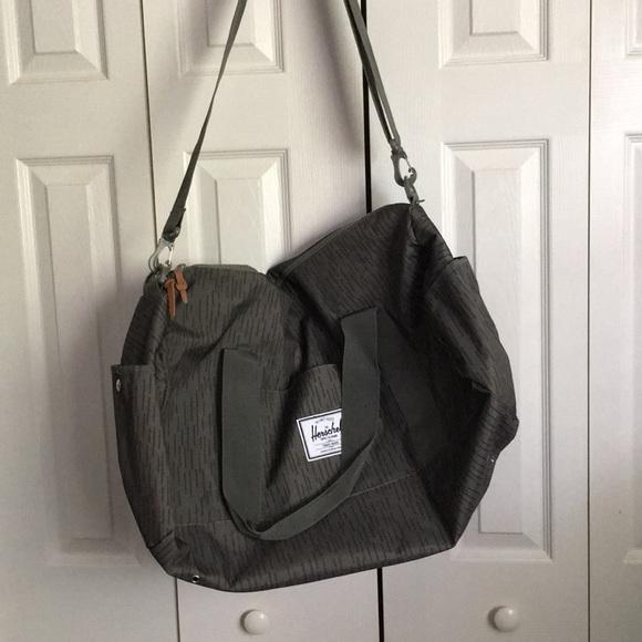 3cef70c05637 Herschel for Urban Outfitters weekender duffel bag.  M 5b9bf728283095f1dd3bf5ac